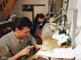 fabrication-artisanale-des-bijoux-en-grenat-de-Perpignan-e1308039333359